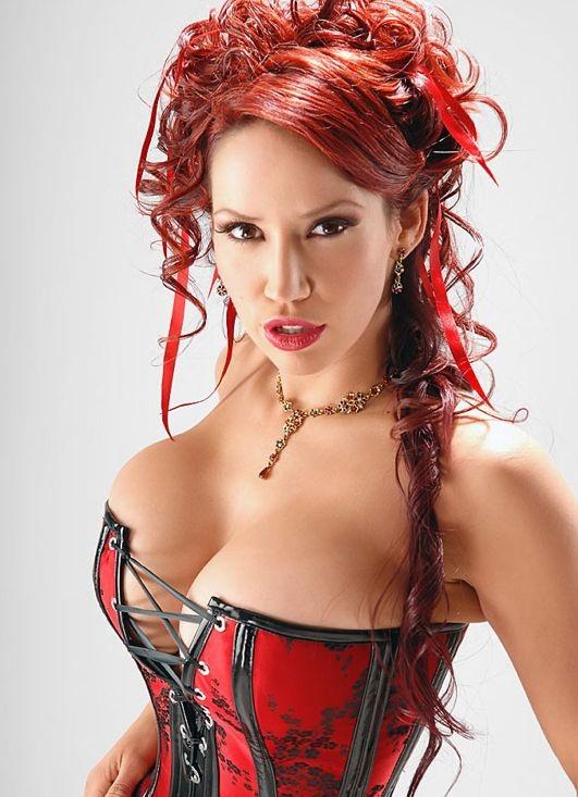 lolmetechie.wordpress.com_big_breasts_011