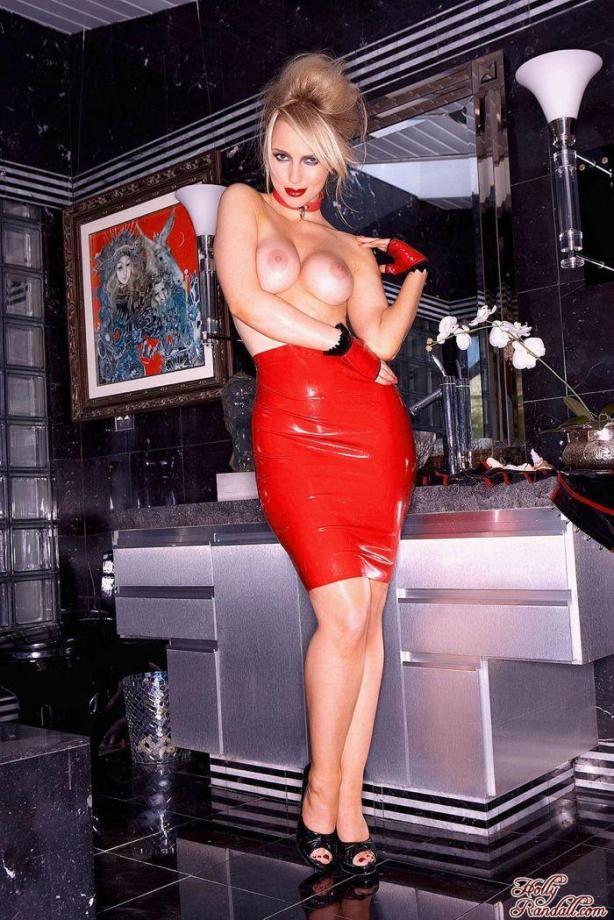 lolmetechie.wordpress.com_sexy_woman_019