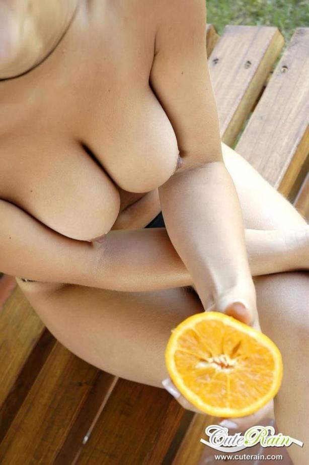 naked_woman_lolmetechie_wordpress_com001
