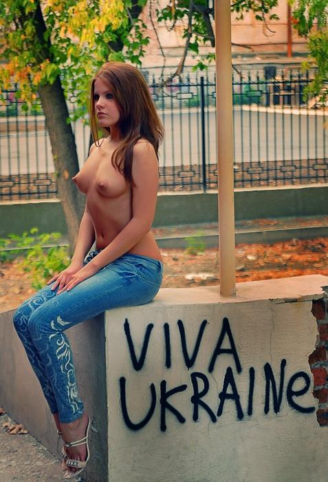 naked_woman_lolmetechie_wordpress_com008