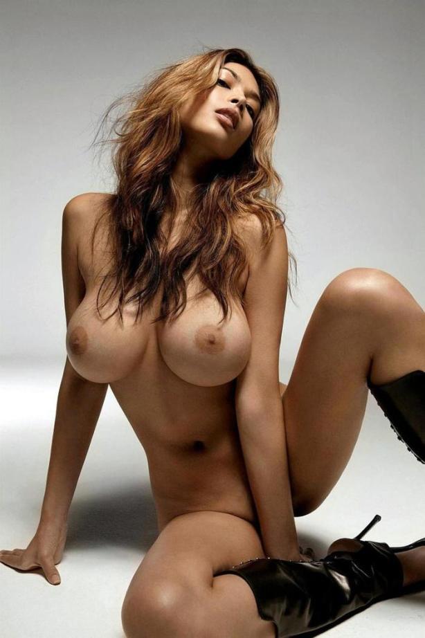 naked_woman_lolmetechie_wordpress_com060