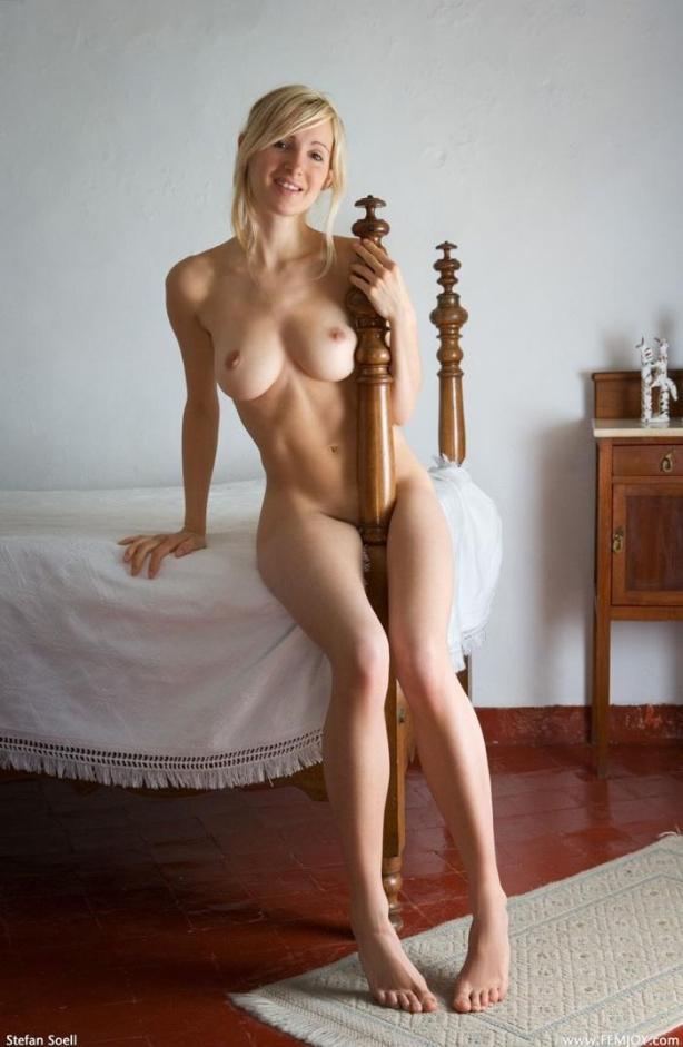 naked_woman_lolmetechie_wordpress_com073