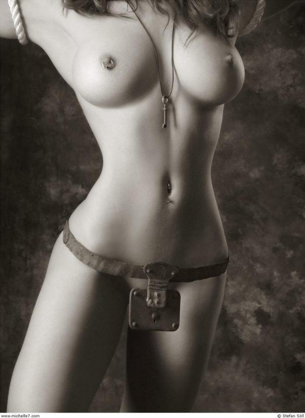 naked_woman_lolmetechie_wordpress_com092